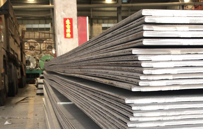 304 Stainless steel plates are widely applied in construction fields, ship building industries, petroleum and chemical industries, Heavy industries, water and electricity industries, pressure vessels, heat exchanger, food and marine industries. Stainless steel plates are notable for a fantastic corrosion resistance.
